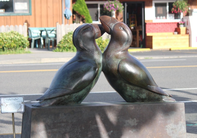 Statue of the Tufted Puffin